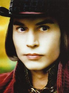 Johnny Depp as Willy Wonka (Charlie and the chocolate factory) Johnny Movie, Johnny Depp Movies, Johnny Depp Willy Wonka, John Deep, Estilo Tim Burton, Charlie Chocolate Factory, The Hollywood Vampires, Tim Burton Films, Funny Picture Jokes