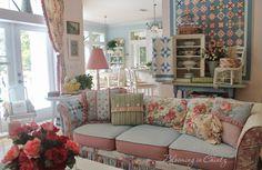 Love!!! Rahna's Family Room   bloominginchintz.blogger.com