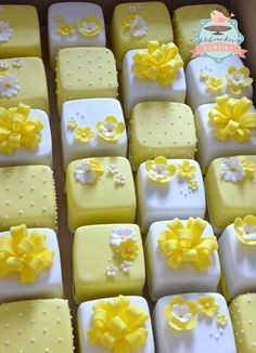 Yellow & White Mini Cakes