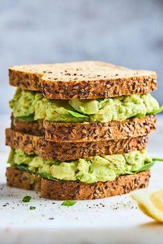 avocado egg salad sandwich Healthy Egg Salad, Easy Egg Salad, Avocado Egg Salad, Recipe Using Hard Boiled Eggs, Hard Boiled Egg Recipes, Quick Recipes, Real Food Recipes, Cooking Recipes, Healthy Recipes