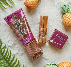 It's your TANtasy come true! This smooth, non-sticky body bronzer glides on HANDS FREE and blends on instantly & seamlessly for a thoroughly believable bronze. Beachin' bonus…the 12-hour* hoola zero tanlines formula stays on even when your clothes come off.