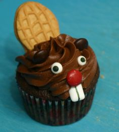 Beaver cupcakes | Pie With Sparkles | Designed & baked by Emily!