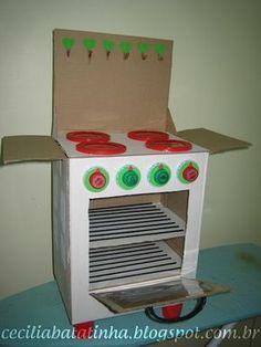 Eu Amo Artesanato: Fogãozinho de caixa de papelão Cardboard Houses For Kids, Cardboard Kitchen, Cardboard Crafts, Baby Crafts, Diy Crafts For Kids, Projects For Kids, Arts And Crafts, Recycled Toys, Recycled Crafts