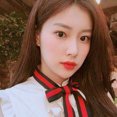 IZONE | HYEWON Yoon Sun Young, Lee Sung Kyung, Twice Sana, Japanese Girl Group, The Wiz, Kyungsoo, Ulzzang Girl, Sweet Girls, Korean Singer