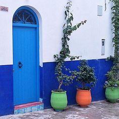 #oldtown #door #archdaily #blue #colori #sundoors #portaseportoes #la_daw…