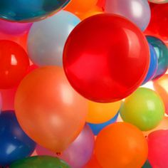 Party Themes for toddlers to teens - Magic School Bus Birthday Party Theme Love Balloon, Big Balloons, Taste The Rainbow, Over The Rainbow, World Of Color, Color Of Life, Color Splash, Color Pop, Balloons Galore