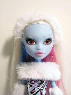 Monster High custom ooak - Abbey Bominable