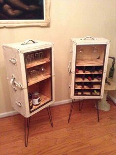 IMG 0412 Matchin Steamer trunk wine and liquor cabinets in furniture with Wine Bar Old Trunks, Vintage Trunks, Wine And Liquor Cabinets, Bar Cabinets, Furniture Makeover, Diy Furniture, Furniture Design, Diy Casa, Handmade Home Decor