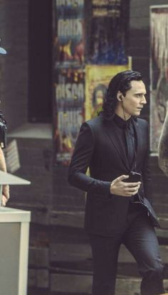 Tom as Loki>>I think Loki's in he emo phase...I bet you he's listening to Panic!At The Disco...