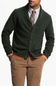 Nice look. Brooks Brothers Shawl Collar Wool Cardigan in Kombo Green Casual Outfits, Men Casual, Fashion Outfits, Fashion Moda, Mens Fashion, Mens Fall, Sharp Dressed Man, Men Sweater, Wool Cardigan