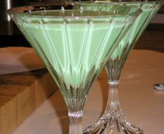 I really want grasshopper drinks on St.Pattys' Day!!!!