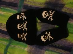 Skully baby hat and mitts. Available from me www.facebook.com/babygothboutique
