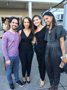 I HAVE A TINY HEART ATTACL EVERY TIME I SEE THE SCHUYLER SISTERS IN THE SAME PICTURE THEYRE SO BEAUTIFUL HELp