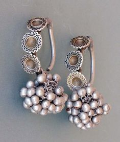 Earrings ~ 'boda' ~ silver with traces of gilding from century, Rajasthan Ancient Jewelry, Antique Jewelry, Vintage Jewelry, India Jewelry, Tribal Jewelry, Silver Necklaces, Silver Jewelry, Silver Ring, Silver Earrings