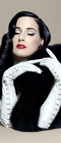 The Gaspar Gloves                                                                                                                                                      More