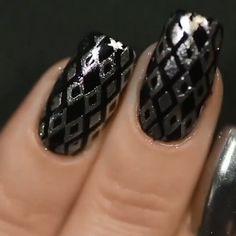 You can't skip any of these nail ideas! Get Nails, Love Nails, Hair And Nails, Nail Art Stamping Plates, Nail Stamping, Natural Nail Art, Manicure, Black Nail Art, Nail Art Videos