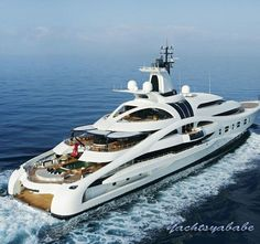 Yacht cruising on the sea, side view with ocean on the backgroundhttp:/. - Cristina Barcelona - - Yacht cruising on the sea, side view with ocean on the backgroundhttp:/. Yachting Club, Sports Nautiques, Yacht Cruises, Cool Boats, Yacht Boat, Yacht Design, Speed Boats, Power Boats, Jet Ski