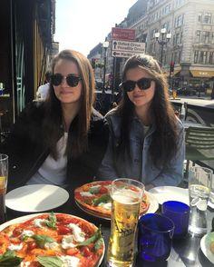 Pizza og øl i Regent Street by norafredheim
