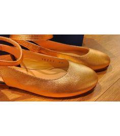 Comprar Mercedita abierta niña Beberlis   Pulsera en el tobillo que la hace muy sofisticada y vestida   Diferente y super combinable   Toda en piel. http://www.migatitopepo.es/13-zapatos-nina-merceditas #zapatosniña #calzadoniña