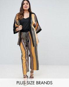 Kimono y pantalones de conjunto a rayas de Elvi Premium