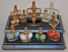 Elegant crown-shaped miniature perfume bottles by Prince Matchabelli; circa 1940s (Courtesy of IPBA virtual perfume museum.)