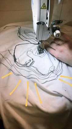 Embroidery fabric manipulation textile art ideas for 2019 Sewing Machine Embroidery, Embroidery Fabric, Embroidery Ideas, Embroidery Stitches, T Shirt Embroidery, Sewing Machine Drawing, Sewing Stitches, Embroidery Fashion, Fabric Art