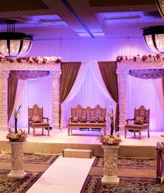 an idea for the church Indian Wedding Receptions, Desi Wedding Decor, Indian Wedding Decorations, Wedding Stage, Indian Weddings, Colorful Centerpieces, Candle Centerpieces, Wedding Centerpieces, Reception Stage Decor