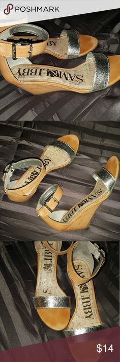 Sam & Libby Dressy Sandals Cute dressy sandal style shoes by Sam & Libby- tan colored with gold strap. 2.5inch heel. Worn once in EXCELLENT CONDITION. Sam & Libby Shoes Sandals