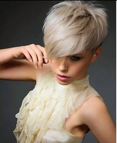 30 Short Sassy Haircuts to Add a Trendy Twist into Your Look Short Haircuts add Haircuts Sassy Short Trendy Twist Short Haircuts With Bangs, Latest Short Hairstyles, Short Layered Haircuts, Short Hair Cuts For Women, Hairstyles With Bangs, Short Hair Styles, Hairstyles 2018, Summer Hairstyles, Short Hair Long Bangs