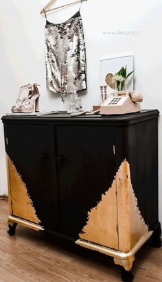 how to use gold and black paint to decorate a dresser, painted furniture