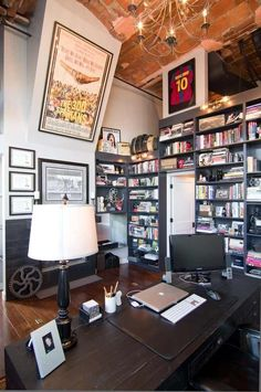 living west loop loft besch design 2 Striking Chicago Loft Artistically Displaying the Owners Guitar Collection