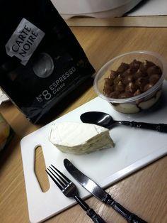 Tiramiisu avec brie fromage