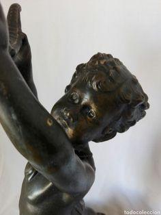 Antiguo Ángel cupido de gran tamaño, metal de gran realismo, para lampara o decoración Lion Sculpture, Statue, Metal, Art, Light Bulb Vase, Cherubs, 19th Century, Art Background, Kunst