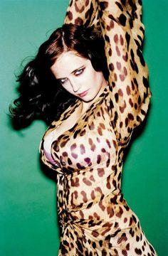 Eva Green looks gorgeous in her leopard print dress. Beautiful Celebrities, Beautiful Actresses, Beautiful Women, Beautiful People, Eva Green Casino Royale, Vanessa Ives, Actress Eva Green, Top Photos, Green Photo