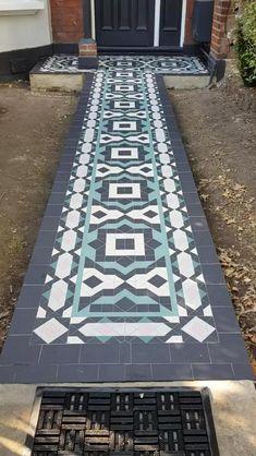 Porch Tile, Patio Tiles, Outdoor Tiles, Outdoor Flooring, Outside Tiles, Front Porch Remodel, Pavement Design, Tile Floor Diy, Front Door Steps