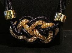 Collar Trenzado en Dorado y Negro Modelo 0021 $150 consiliari.wix.com/bling www.facebook.com/BlingMx