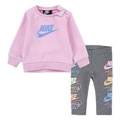 Nike Baby Clothes, Luxury Baby Clothes, Girls Sports Clothes, Baby Nike Outfits, Babies Clothes, Cute Little Girls Outfits, Kids Outfits Girls, Toddler Girl Outfits, Toddler Fashion