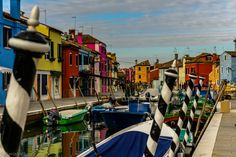 Burano Venezia | In  Venezia                                                                                                                                                                      Burano, l'île de Venise aux mille couleurs. Demain direction Treviso en autostop ! :)  Burano, the colored Venise's island. Tomorrow, hitchhiking to Treviso ! :)   #Venezia #Burano #Italy #Italia #serialhikers #love #roadtrip #hike #travelawesome #wonderfuldestinations #back...