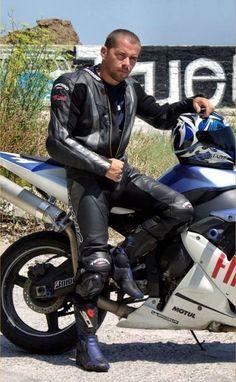 Bike Suit, Motorcycle Suit, Motorcycle Leather, Biker Gear, Biker Boots, Sexy Biker Men, Sexy Men, Motard Sexy, Hot Men Bodies