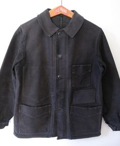 Black Moleskin French Work jacket from the 30'sMade of a strong moleskin cotton material by one of the best and ancient french workwear company, <b>'Le Mont Saint-Michel'</b>.Nicely faded