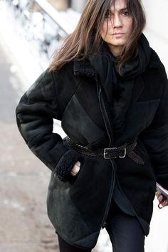 Emmanuelle Alt / Editor-in-chief of Vogue Paris / French Voguette / Parisian Emmanuelle Alt Style, Clothes Encounters, Parisian Chic Style, French Girl Style, Couture Week, Vogue Paris, Signature Style, Alter, Her Style