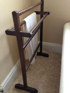 Vintage-wooden-towel-rail #winterestyle #winterrestyle