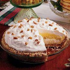 Creamy Banana Pecan Pie - I love the crust for this pie!