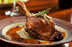 Pato al horno, la receta perfecta para los amantes del pato.   #Pato #RecetasDePato #CocinarPato #RecetasFáciles #RecetasRápidas #PatoAlHorno