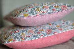 Coussin pillow Liberty Betsy Porcelaine fikOu miKou