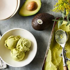 Avocado Ice Cream, Yummy Ice Cream, Ice Cream Flavors, Ice Cream Recipes, Lava Cake Recipes, Lava Cakes, Coconut Recipes, Frozen Desserts, How Sweet Eats
