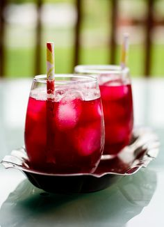 beet juice recipe blender version-learn how to make it easy and healthy. The best energy drink that helps to detox and weight loss. Perfect for kids also. How To Make Beets, How To Cook Quinoa, Healthy Dishes, Healthy Drinks, Detox Drinks, Healthy Eats, Healthy Foods, Healthy Recipes, Beetroot Juice Recipe