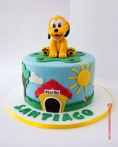 50 Most Beautiful looking Pluto Cake Design that you can make or get it made on the coming birthday. Mickey Birthday Cakes, Mickey Mouse Cupcakes, Mickey Cakes, Chocolate Birthday Cake Decoration, Birthday Cake Decorating, Cake Designs Images, Cool Cake Designs, Fountain Cake, Puppy Dog Cakes