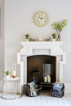 Cozy Fireplace Decor for Cottage Living Room - Barthram News Empty Fireplace Ideas, Unused Fireplace, Fake Fireplace, Bedroom Fireplace, Cozy Fireplace, Living Room With Fireplace, Fireplace Design, Mantel Ideas, Fireplace With Candles