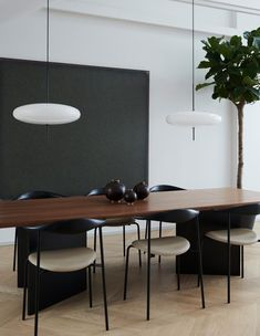 Bank Pendant Opal Glass By Norm Architects Kitchen Interior Design architects bank glass Norm Opal Pendant Design Room, Dining Room Design, Dining Rooms, Mesa Oval, Interior Minimalista, Oval Table, Scandinavian Home, Plywood Furniture, Furniture Decor